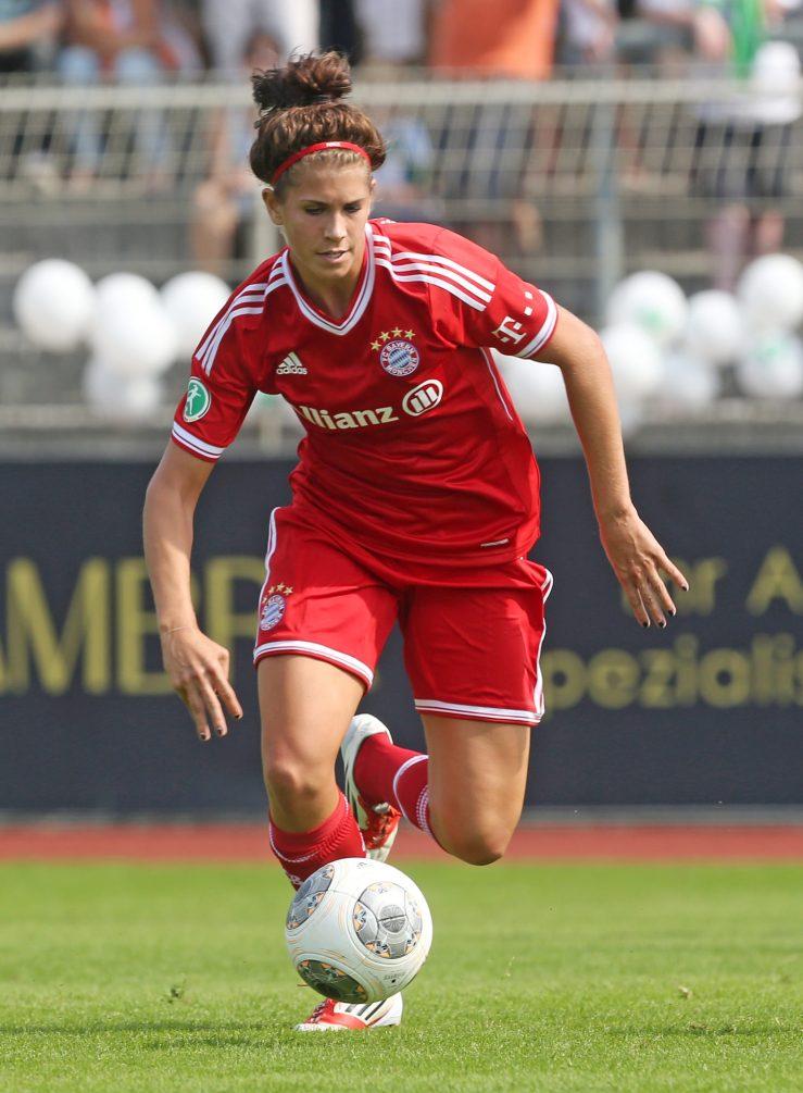 VfL Wolfsburg v FC Bayern Muenchen - Women's Bundesliga